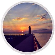 Round Beach Towel featuring the photograph Milwaukee Lighthouse by Nikki McInnes