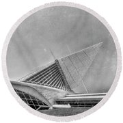 Round Beach Towel featuring the photograph Milwaukee Museum Of Art Special 2 by David Haskett