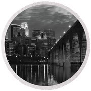 Minneapolis Stone Arch Bridge Bw Round Beach Towel