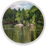 Mirror Lake En Plein Air Round Beach Towel