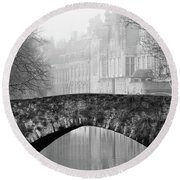 Misty Morning Canal In Bruges Round Beach Towel