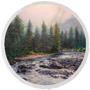 Misty Morning On East Rosebud River Round Beach Towel