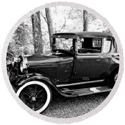 Model A In Black And White Round Beach Towel