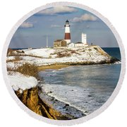 Montauk Lighthouse Winter Bluffs Round Beach Towel