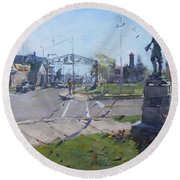 Monument At Pine Ave And Portage Rd Round Beach Towel
