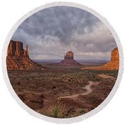 Monument Valley Mittens Az Dsc03662 Round Beach Towel
