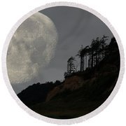 Moon At Roosevelt Beach Wa Round Beach Towel