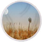 Moon Rise Snowy Owl Round Beach Towel