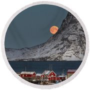 Moonrise In Reine Round Beach Towel