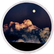 Moonrise In Taos Round Beach Towel