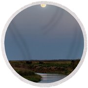 Moonrise Over Cheyenne Bottoms -01 Round Beach Towel