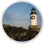 Moonrise Over Fort Pickering Lighthouse Salem Ma Winter Island Wreath Round Beach Towel