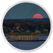 Moonrise Over Ft. Gorges Round Beach Towel