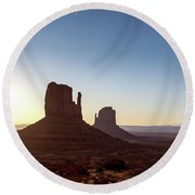 Moonrise Over Monument Valley Round Beach Towel