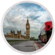 Morning Bus In London Round Beach Towel