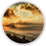 Morning Highland Scenic Highway Round Beach Towel