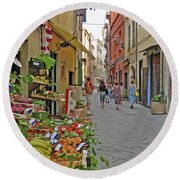 Round Beach Towel featuring the photograph Morning Shoppers by Lynda Lehmann