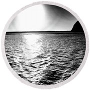 Morro Rock, Black And White Round Beach Towel