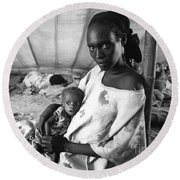 Mother And Her Starving Child In A Tuberculosis Tent, African Di Round Beach Towel