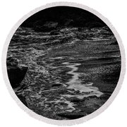 Motion In Black And White Round Beach Towel
