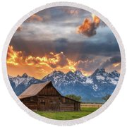 Moulton Barn Sunset Fire Round Beach Towel