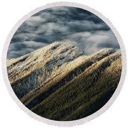 Mount Higgins Clouds Round Beach Towel