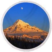 Mount Hood Last Light In Oregon Usa Round Beach Towel