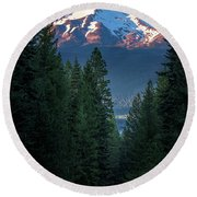 Mount Shasta - A Roadside View Round Beach Towel