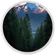 Mount Shasta - A Roadside View Round Beach Towel