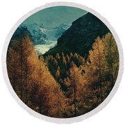 Mountain Autumn Round Beach Towel