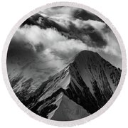 Mountain Peak In Black And White Round Beach Towel