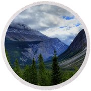 Mountain Ranges South Of Jasper Round Beach Towel