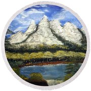 Mountains And Evergreens Round Beach Towel