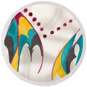 Mountains Echoing Round Beach Towel