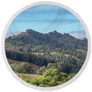 Mountains Of The Hunter Round Beach Towel