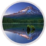 Round Beach Towel featuring the photograph Mt. Hood Reflection At Sunset by William Lee