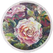 Multi-hue And Petal Rose. Round Beach Towel