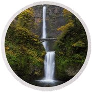 Multnomah Falls In Autumn Round Beach Towel