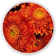 Mums In Flames Round Beach Towel