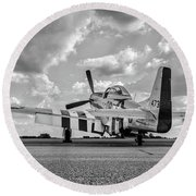 Mustang On The Ramp Round Beach Towel