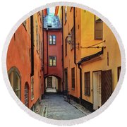 Narrow Street In The Old Center Of Stockholm Round Beach Towel