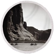 Round Beach Towel featuring the photograph Navajos Canyon De Chelly, 1904 by Granger