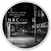 Nbc Studios Rockefeller Center Nyc Black And White  Round Beach Towel