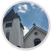 Round Beach Towel featuring the photograph New England Church by Suzanne Gaff