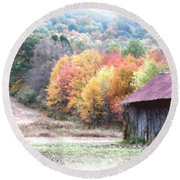 New England Tobacco Barn In Watercolor Round Beach Towel