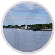 New London Harbor Lighthouse Round Beach Towel