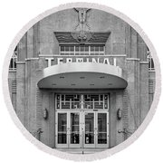 New Orleans Lakefront Airport Bw Round Beach Towel