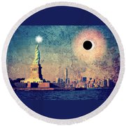 New York City Solar Eclipse 2017  Round Beach Towel