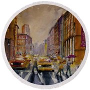 New York Cityscape Rainy Morning Commute Round Beach Towel