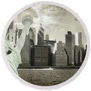 Round Beach Towel featuring the photograph New York New York Da by Judy Wolinsky